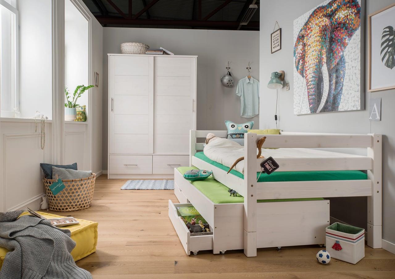 Einzelbett mit Bettschubkasten & Schubladen